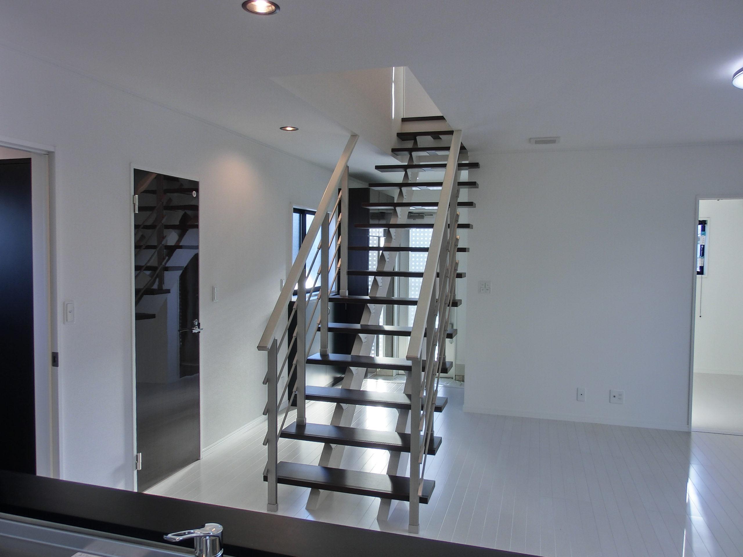 I邸 内観 階段